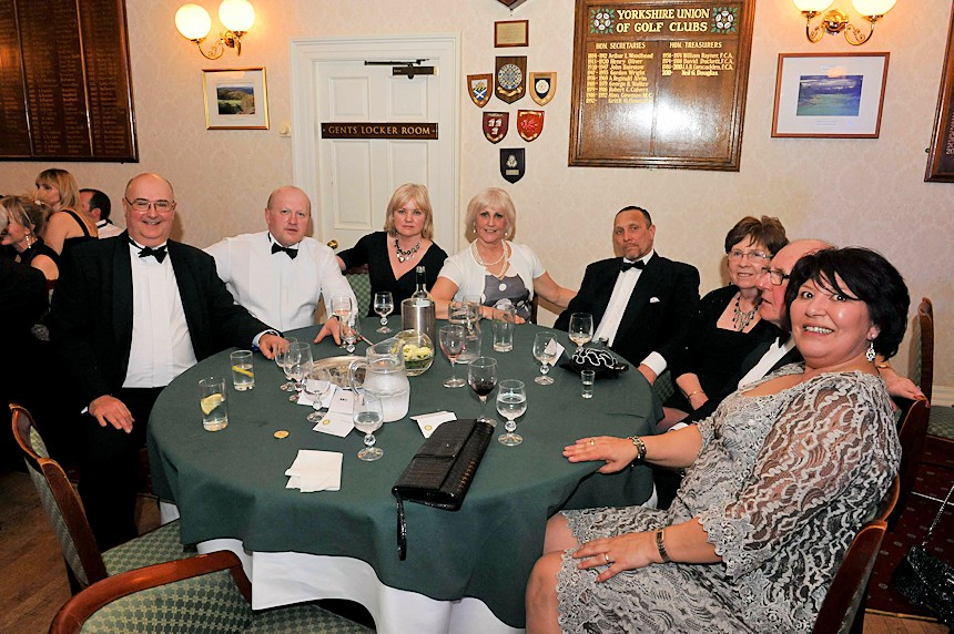 Photo of Rotarians at dining table