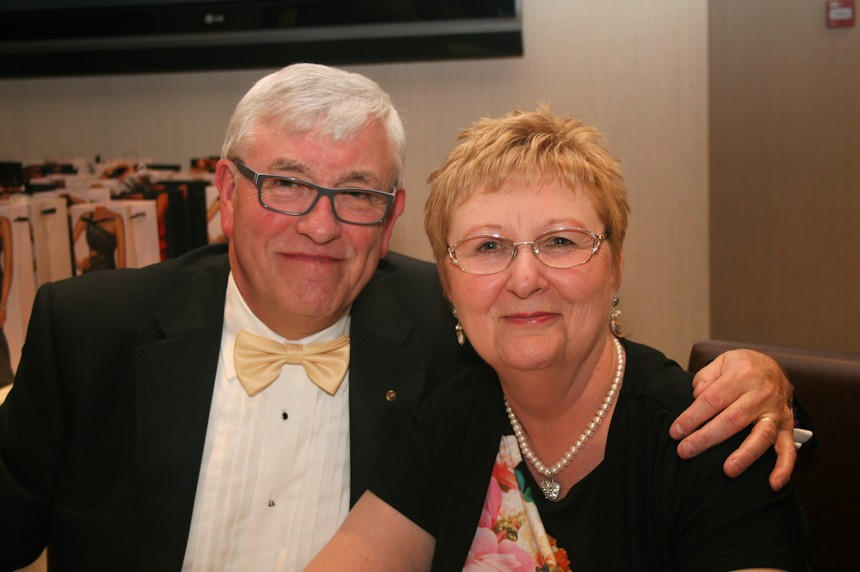 Photo of Richard and Alison Gooder